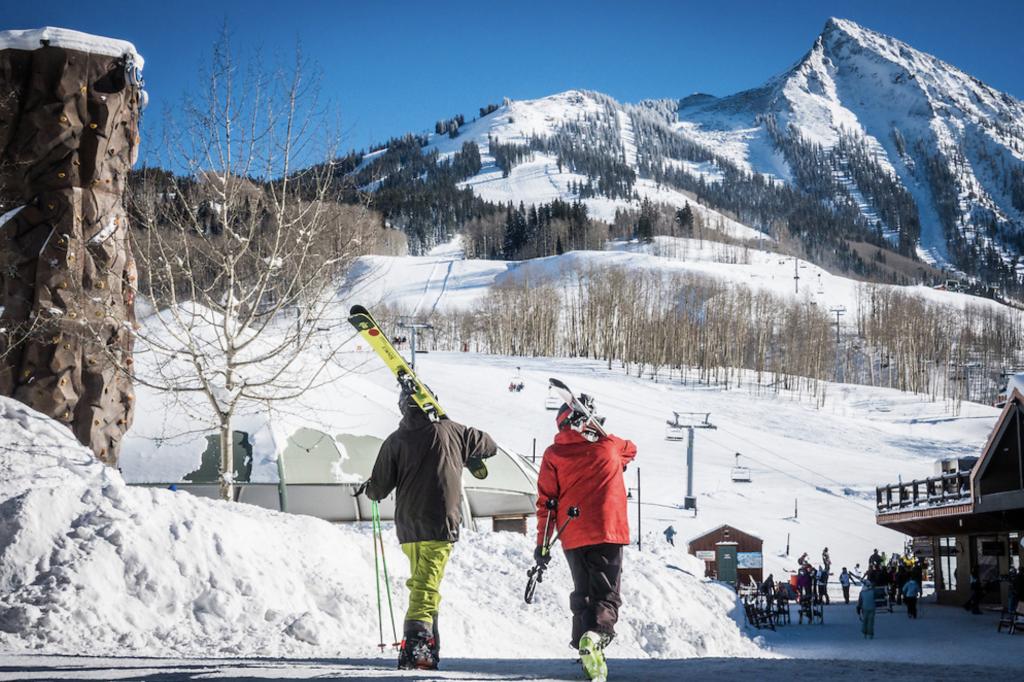 free slope side ski lockers